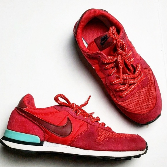 nike internationalist size 6